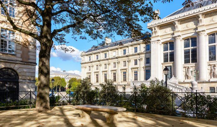 Paris High court